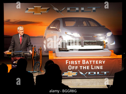 General Motors Chairman Ed Whitacre Introduces the Lithium Ion Battery Pack for the Chevrolet Volt - Stock Photo