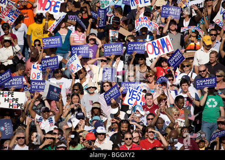 US Senator Barack Obama speaking from podium at Early Vote for Change Presidential rally October 25, 2008 at Bonanza - Stock Photo