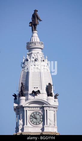 Statue of William Penn high atop City Hall in downtown Philadelphia, Pennsylvania Stock Photo