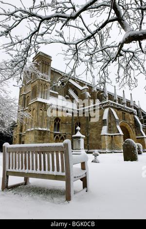 Malmesbury Abbey under snow - Stock Photo