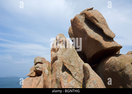 Bizarre rock formations along the Côte de granit rose / Pink Granite Coast at Ploumanac'h, Côtes-d'Armor, Brittany, - Stock Photo
