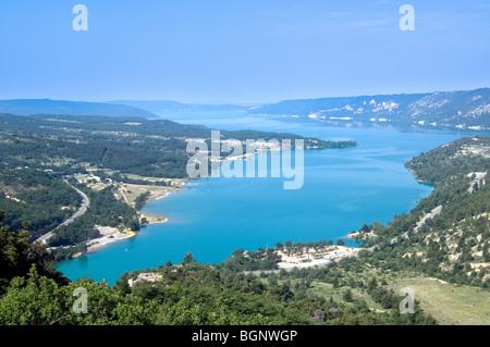 The Lac de Sainte-Croix / Sainte Croix Lake, gateway to the Verdon Gorge / Gorges du Verdon, Provence, France - Stock Photo