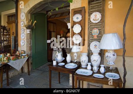 Souvenir shop with faience / pottery at Moustiers-Sainte-Marie, Alpes-de-Haute-Provence, Provence, France - Stock Photo
