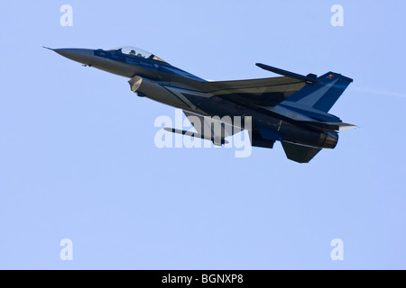 Belgian Airforce F-16 at RAF Leuchars Airshow 2009, Fife, Scotland - Stock Photo