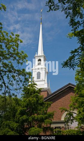 MEMORIAL CHURCH on the campus of HARVARD UNIVERSITY - CAMBRIDGE, MASSACHUSETTS - Stock Photo