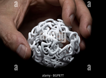 A production by 3-dimensional printing of a modern sculpture. Production en 3 dimensions d' une sculpture moderne. - Stock Photo