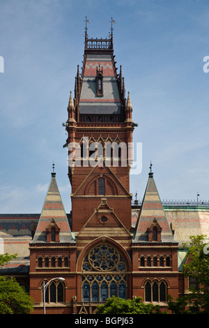 MEMORIAL HALL, completed in 1868, and was built in the High Victorian Gothic style HARVARD UNIVERSITY - CAMBRIDGE, - Stock Photo