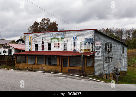 Valley of the Three Forks Antique and Gift Shop in Pall Mall, Tennessee - Stock Photo