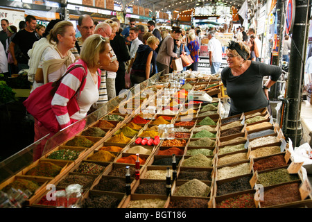 Spice stall at the Cours Massena market in the old town, Antibes, Alpes Maritimes, Provence, France. - Stock Photo