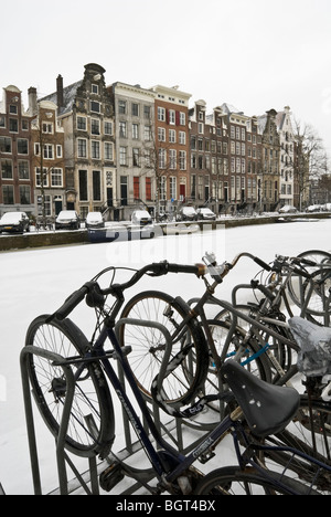 Snow-covered frozen Keizersgracht canal in Amsterdam, January 2010 - Stock Photo