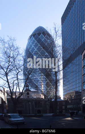 30 ST MARYS AXE THE GHERKIN SWISS RE, LONDON, UNITED KINGDOM, FOSTER AND PARTNERS - Stock Photo
