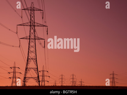 Electricity pylons. Ratcliffe, Nottinghamshire, UK - Stock Photo