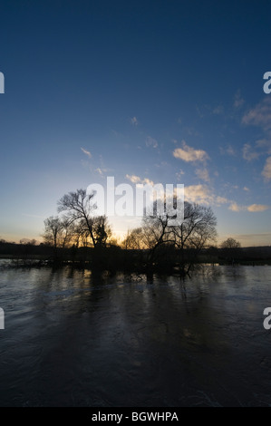 Winter sunset over the River Thames at Hambleden Weir Mill End Buckinghamshire UK - Stock Photo
