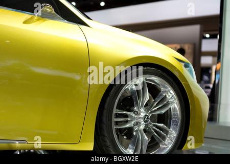 http://l450v.alamy.com/450v/bgxw2e/2009-2010-lexus-lf-ch-concept-at-2010-north-american-international-bgxw2e.jpg