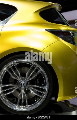 http://l450v.alamy.com/450v/bgxw9t/2009-2010-lexus-lf-ch-concept-at-2010-north-american-international-bgxw9t.jpg