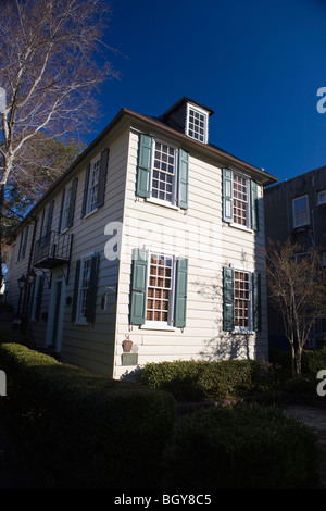 Thomas Elfe House, 54 Queen Street, Charleston, South Carolina, United States of America. - Stock Photo