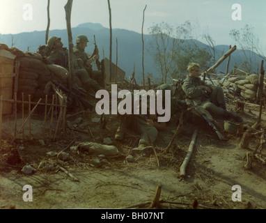 soldiers of the 2nd battalion 7th infantry regiment 1st. Black Bedroom Furniture Sets. Home Design Ideas