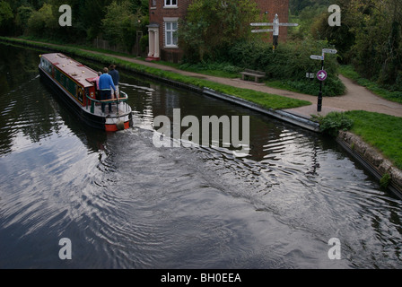 Canal junction with barge, Kings Norton, Birmingham, UK - Stock Photo