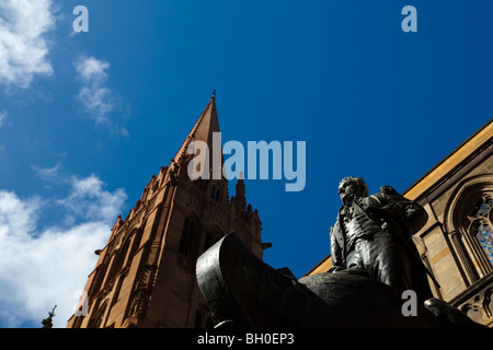 Statue of explorer Matthew Flinders at St. Paul's Cathedral, Melbourne, Australia. Designed by Charles Web Gilbert. - Stock Photo