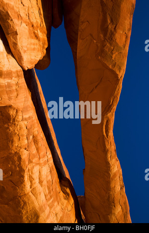 An unnammed arch, Klondike Bluffs area, Arches National Park, near Moab, Utah. - Stock Photo