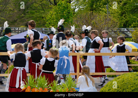 Girls and boys in Bavarian costume dancing, Bad Aibling, Upper Bavaria, Bavaria, Germany - Stock Photo