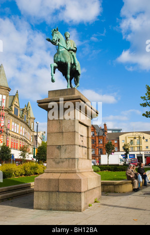 Equestrian statue Pembroke Place square along London Road in Liverpool England UK Europe - Stock Photo