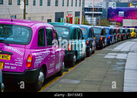 Taxis waiting outside Lime Street station in central Liverpool England UK Europe - Stock Photo