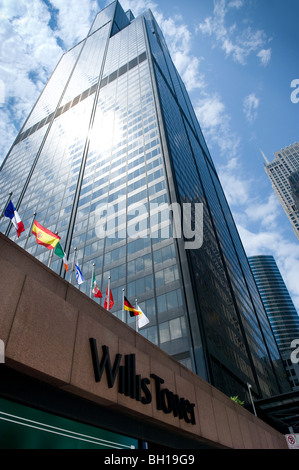 Willis Tower (formerly Sears Tower) in Chicago Illinois, the tallest building in North America, features all-glass - Stock Photo