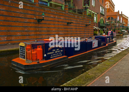Service boat Gas Street basin in central Birmingham England UK Europe - Stock Photo