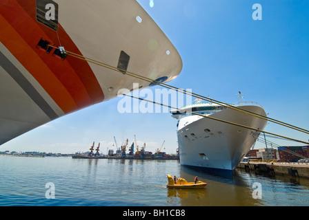 Cruise ships docked in port of Montevideo, Uruguay - Stock Photo