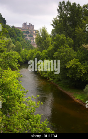 View of Beynac along the Dordogne river, The Way of Saint James, Road to Santiago, Chemins de Saint-Jacques, Via - Stock Photo