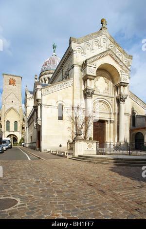 Basilique Saint Martin, St Martin´s Basilica and Tour Charlemagne, Charlemagne´s Tower, Chemins de Saint-Jacques, - Stock Photo