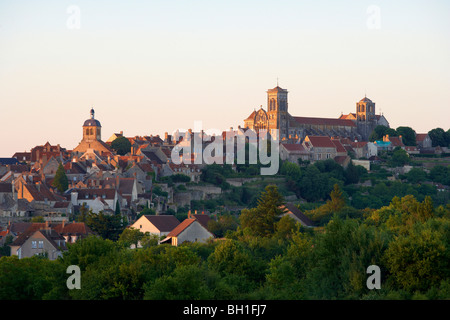 Vezelay with St Mary Magdalene Basilica in the evening, The Way of St. James, Chemins de Saint Jacques, Via Lemovicensis, - Stock Photo