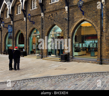 The Tower of London official shop. - Stock Photo