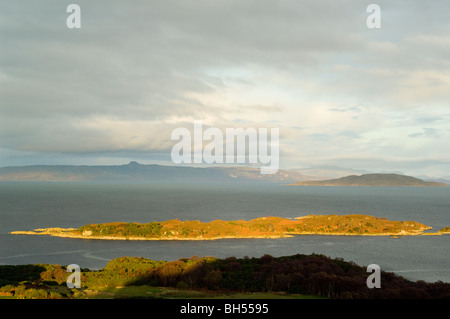 The island of Eilen a Mhal at Kyle of Lochalsh, West Highlands, looking to Isle of Raasay. - Stock Photo