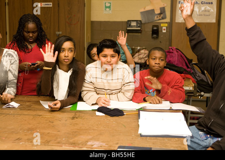 Middle school technology class discusses the use of PowerPoint at the J.R. Dodd School in Freeport, NY. - Stock Photo