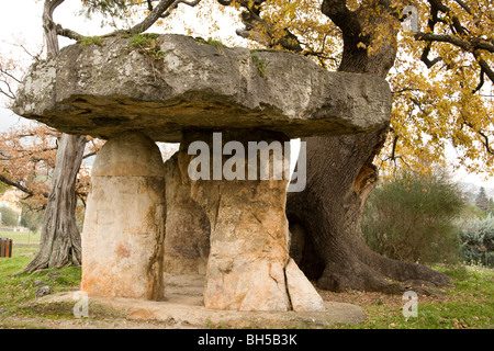 Dolmen Pierre de la fee in Draguignan, Provence, France. This is the only true dolmen in Provence and dates back - Stock Photo