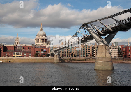 View from the South Bank of the River Thames towards the Millennium Bridge and St Pauls Cathedral, London, UK. - Stock Photo