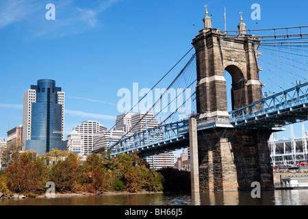 John Roebling suspension bridge crossing the Ohio river over to Newport Kentucky. Cincinnati, Ohio, USA - Stock Photo