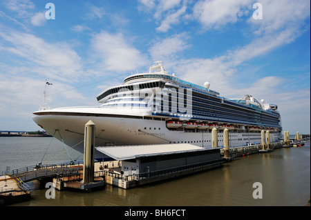 The Crown Princess cruiseliner moored in the River Mersey at Pier Head on the Liverpool W - Stock Photo