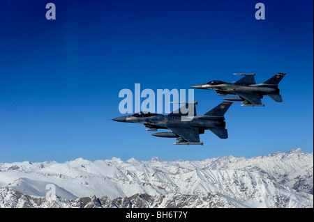November 26, 2009 - U.S. Air Force F-16 Fighting Falcons conduct operations over eastern Afghanistan. - Stock Photo