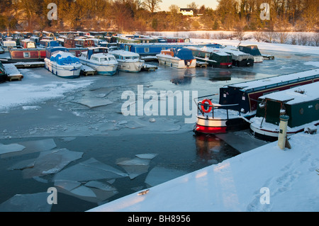 Blackwater Meadow Marina in winter on the Llangollen canal, Ellesmere, Shropshire, England - Stock Photo