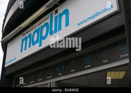 Maplin High Street shop sign - Stock Photo