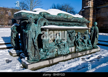 The Tomb to Lord Elphinstone founder of Kings College Aberdeen SCO 6038 - Stock Photo