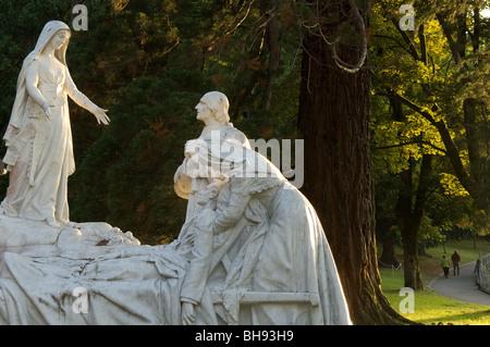 Lourdes, Hautes-Pyrénées, France. The Sanctuary grounds - Stock Photo
