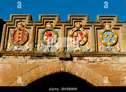 Coats of Arms adorn the entrance of the historic Linlithgow Palace West Lothian Scotland  SCO 6020 - Stock Photo