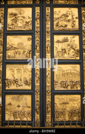... The bronze doors (gates of paradise) of the Battistero San Giovanni ( Florence Baptistery & bronze doors for the Baptistery Piazza del Duomo Florence italy ... Pezcame.Com