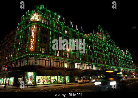 Green Christmas Lights.Harrods Department Store Covered In Unusual Green Christmas