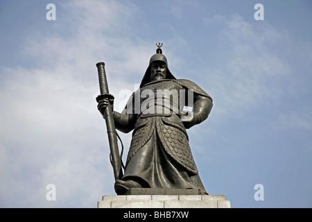 Admiral Yi Sun Shin Statue at Gwanghwamun plaza in downtown Seoul, South Korea, Asia - Stock Photo