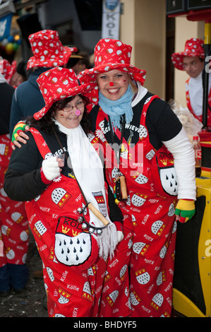 Woman and Girl dressed up as Clowns - Weiberfastnacht in Cologne Stock Photo
